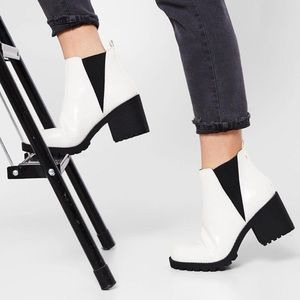 Lisbon Dirty Laundry Heeled Ankle Bootie
